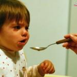 Uşaq yemək yeməyəndə